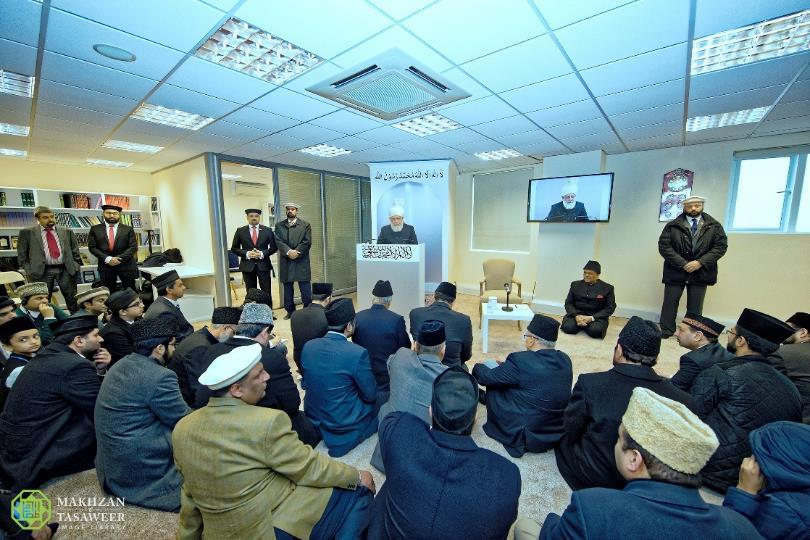 Head of Ahmadiyya Muslim Community inaugurates new Mosque in Mitcham, London
