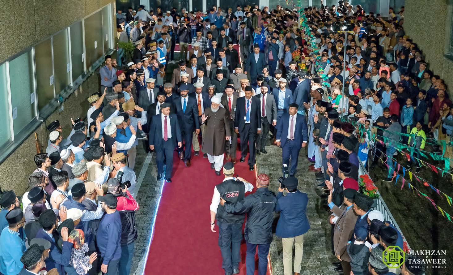 Head of Ahmadiyya Muslim Community arrives in Germany