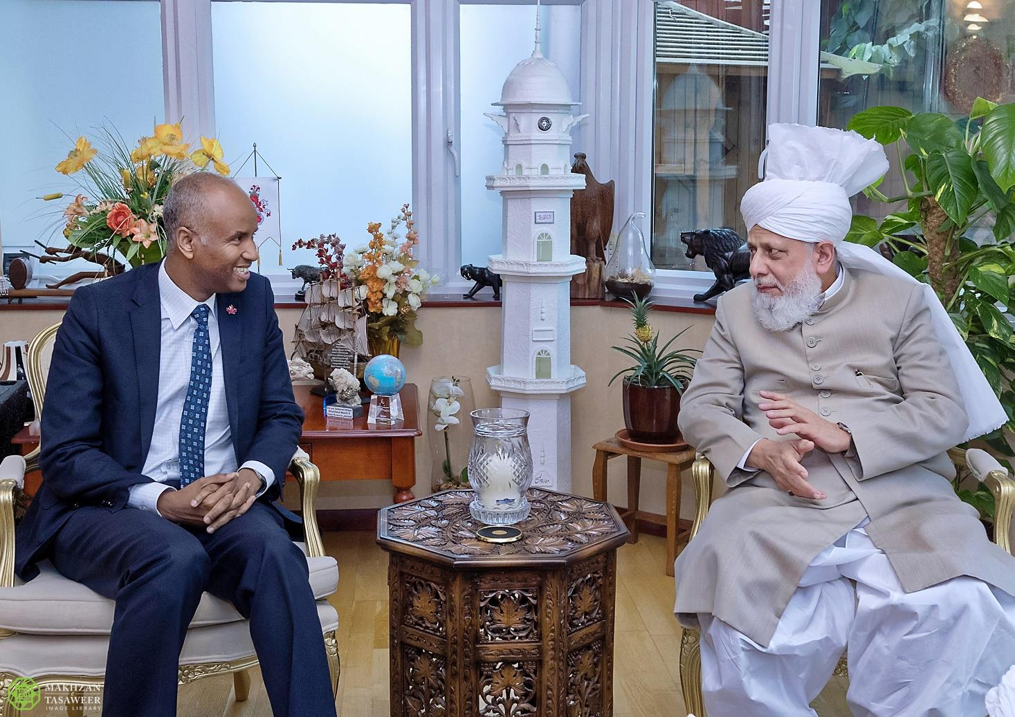 Canadian Minister Ahmed Hussen visits Head of Ahmadiyya Muslim Community in London
