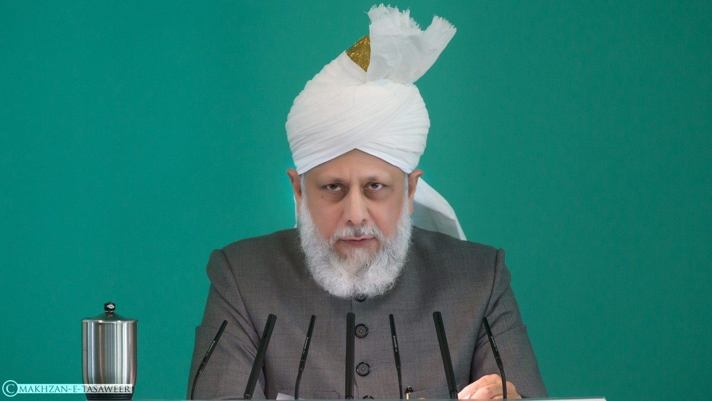 Head of Ahmadiyya Muslim Community condemns terror attacks in Europe and calls for peace in the world